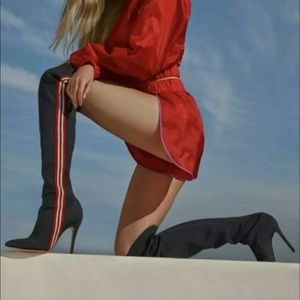 Schutz  Giordana Over the Knee Boots sz 6